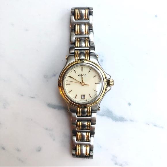 b99b33988f9 Gucci Accessories - Authentic Gucci Women s 9040L Watch